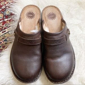 Ugg Bridgen Shearling Lined Leather Clogs 10